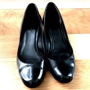 Classic Cole Haan Patent Leather Black Wedge 9 1/2